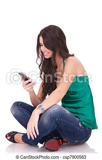 överföring, kvinna, sms - csp7900563