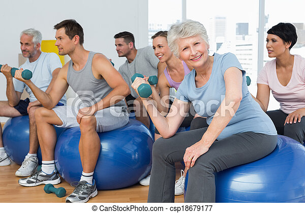 övning, sittande, gymnastiksal, hantlar, klumpa ihop sig, lämplighet kategori - csp18679177
