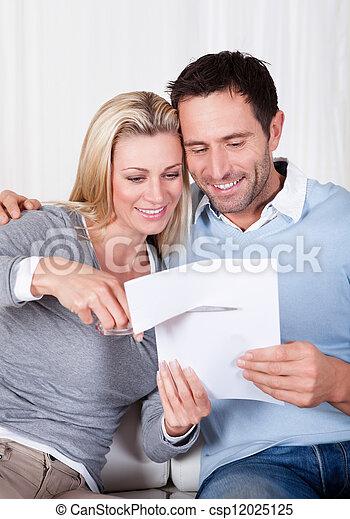über, zerstückeln, frau, lachender, dokument - csp12025125