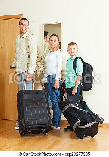 ünnep, haladó, három, család, poggyász - csp20277385