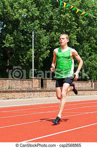 ślad, wyścigi, młody mężczyzna - csp2568865