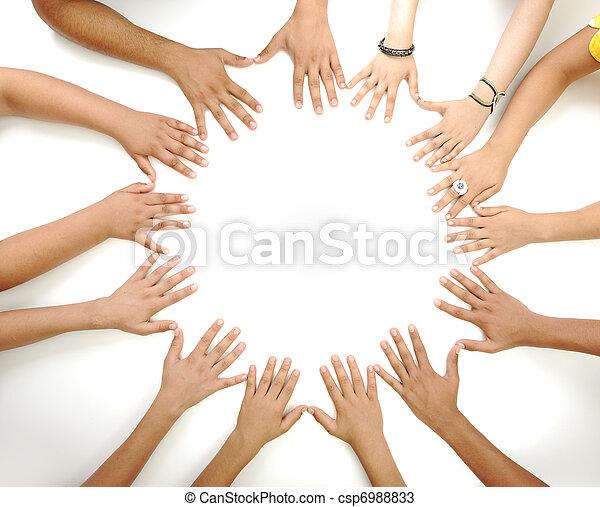 środek, kopiować przestrzeń, zrobienie, tło, konceptualny, biały, multiracial, dzieci, symbol, koło, siła robocza - csp6988833