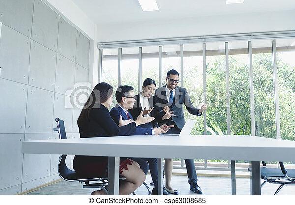 świętując, spotkanie, biuro., handlowy, projekt, pomyślny, grupa, pokój, nowy - csp63008685