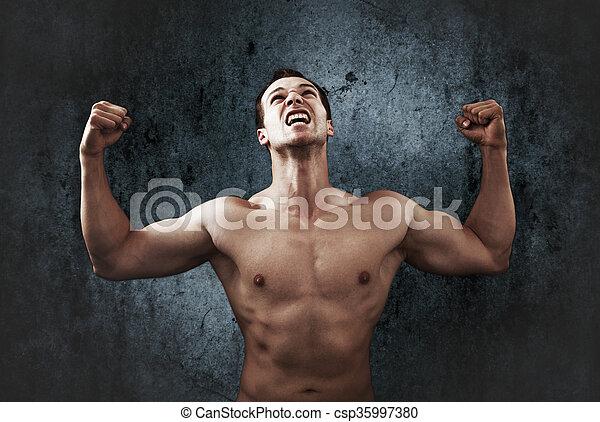 άντραs , δυνατός , ξεφωνίζω , μυώδης , οργή  - csp35997380