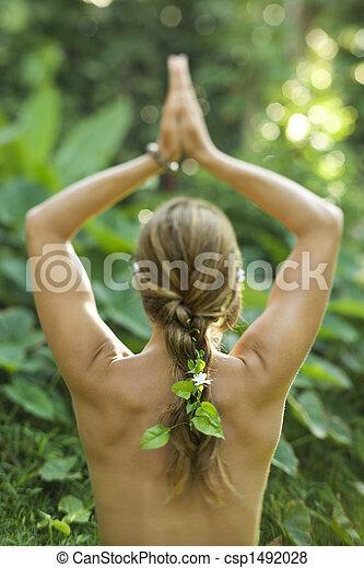 άσκηση , yoga., ακάλυπτος γυναίκα  - csp1492028