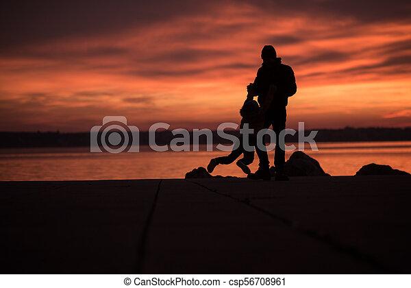 αγόρι , δικός του , πατέραs , νέος , βράχος , παίξιμο  - csp56708961