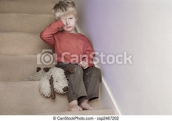 αγόρι , μικρός , βαθμίδα. , αναποδογυρίζω , κάθονται  - csp2467202
