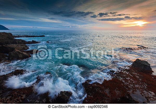 ακτή , χαβάη , λυκόφως  - csp9092346