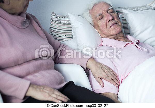 ανέχομαι , γυναίκα , νόσος , άντραs  - csp33132127
