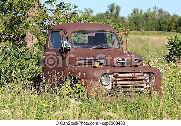 αντίκα αγαπητέ μου , rusted , φορτηγό  - csp7308480