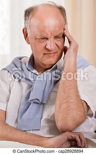 ανώτερος ανήρ , πονοκέφαλοs  - csp28928894