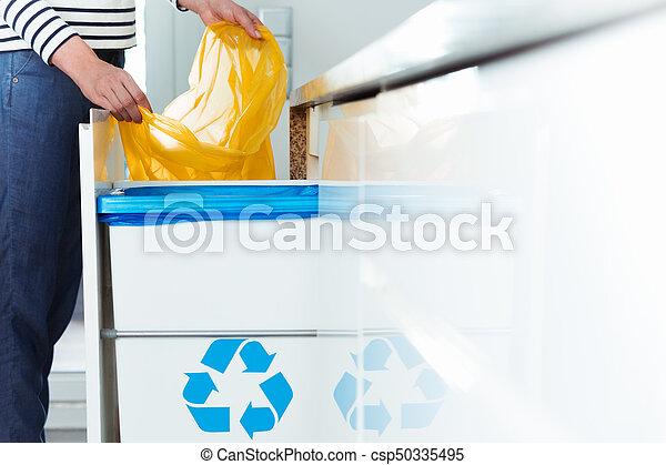 αποθήκη , ανακύκλωση , μοντέρνος , κουζίνα  - csp50335495