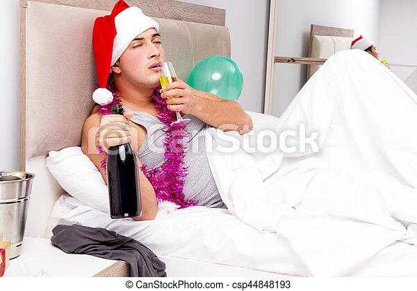 αργά , μετά , partying , επακόλουθο μέθης , άντραs  - csp44848193