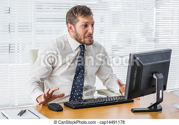 ατενίζω , επιχειρηματίας , δικός του , ηλεκτρονικός υπολογιστής , ανατρέπω  - csp14491178