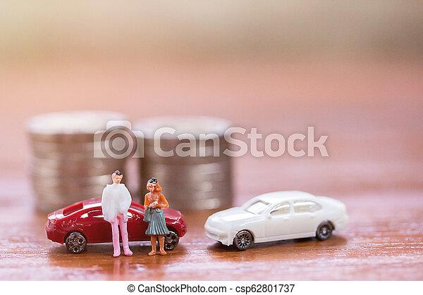 βήμα , χρήματα , επιχειρηματίας , επινοώ , γυναίκεs , παιχνίδι , μινιατούρα , άμαξα αυτοκίνητο. , ακάθιστος , people: - csp62801737