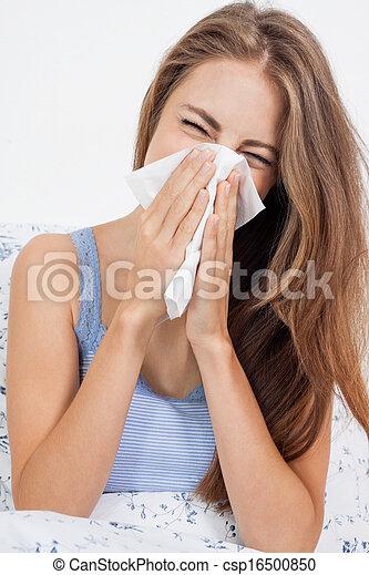 γρίπη , μελαχροινή , γρίπη , νέα γυναίκα , κρύο  - csp16500850