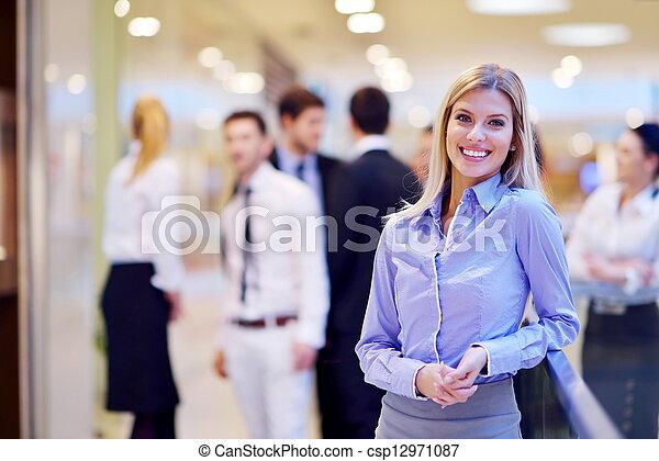 γραφείο , φόντο , αυτήν , γυναίκα , προσωπικό , επιχείρηση  - csp12971087