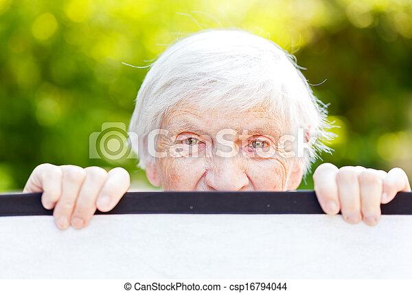 γυναίκα , ηλικιωμένος  - csp16794044