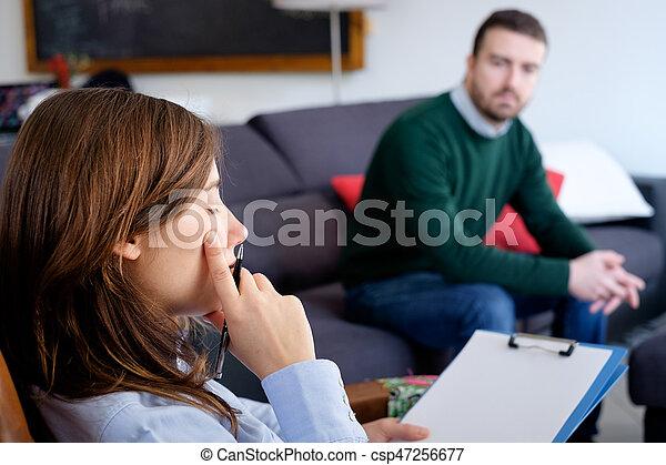 διανοητικός , ψυχίατρος , στούντιο , υγεία , πρόβλημα , άντραs  - csp47256677