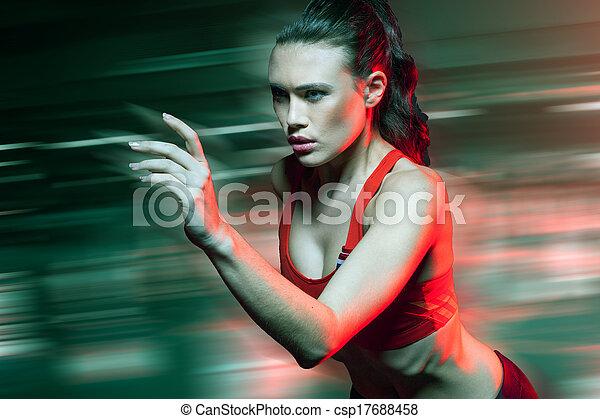 δρομέας μικρής απόστασης , τρέξιμο , ταχύτητα , γυναίκα  - csp17688458