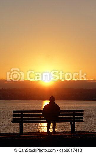ηλιοβασίλεμα , γαλήνειος  - csp0617418