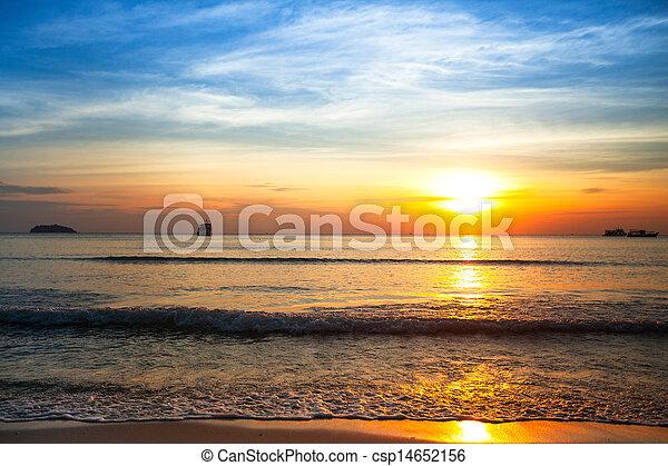 ηλιοβασίλεμα , sea., όμορφος  - csp14652156