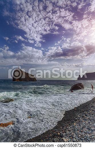ημέρα , βραχώδης , ηλιόλουστος , ανεμίζω , παραλία  - csp61550873