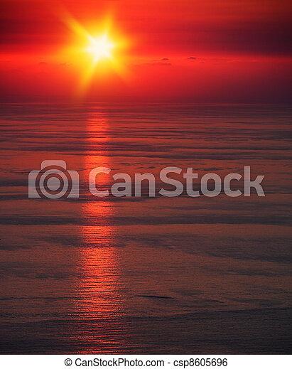 θαλασσογραφία , ηλιοβασίλεμα  - csp8605696