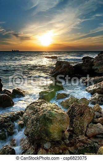θαλασσογραφία , ηλιοβασίλεμα  - csp6823075