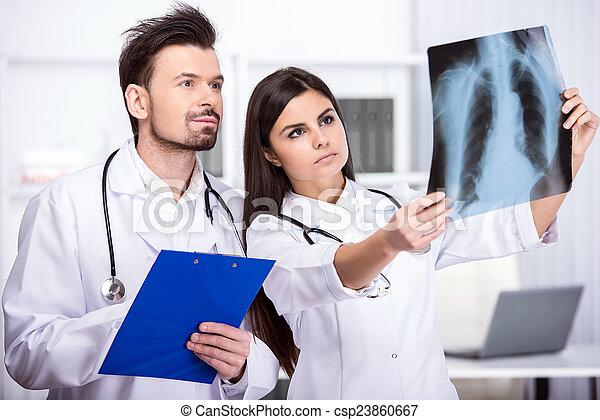 ιατρικός  - csp23860667