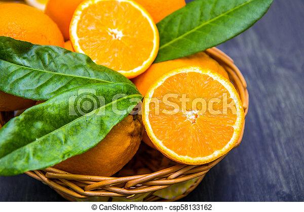 καλαθοσφαίριση , πορτοκάλι , γεμάτος , φρέσκος  - csp58133162