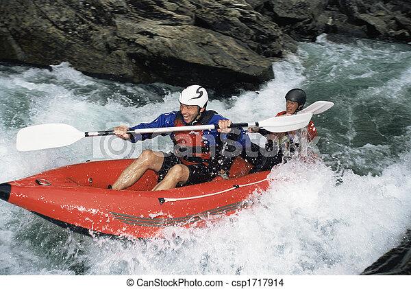 καταρράκτης , δυο , kayakers , focus), (selective, χαμογελαστά  - csp1717914