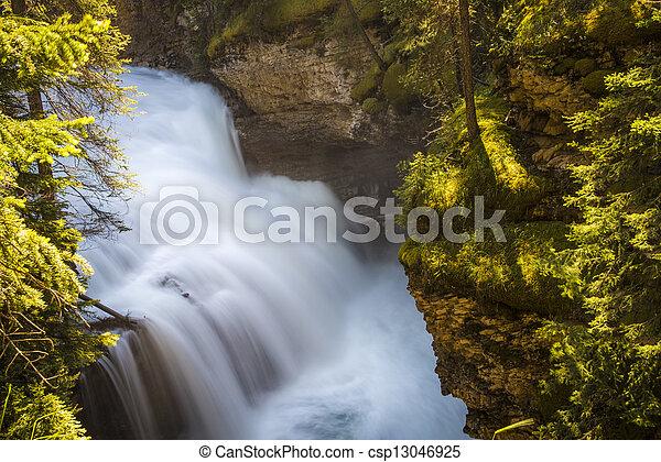 καταρράκτης , εθνικό πάρκο , banff  - csp13046925