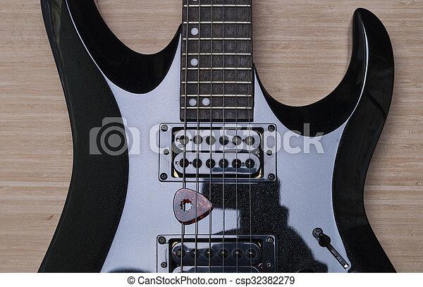 κιθάρα , μαύρο φόντο  - csp32382279