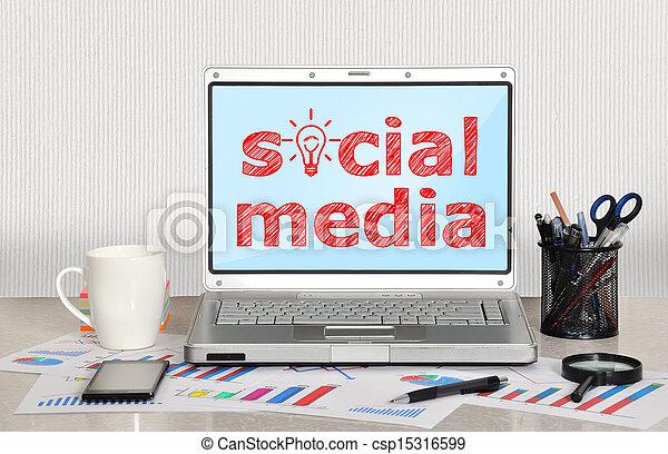 μέσα ενημέρωσης , κοινωνικός  - csp15316599