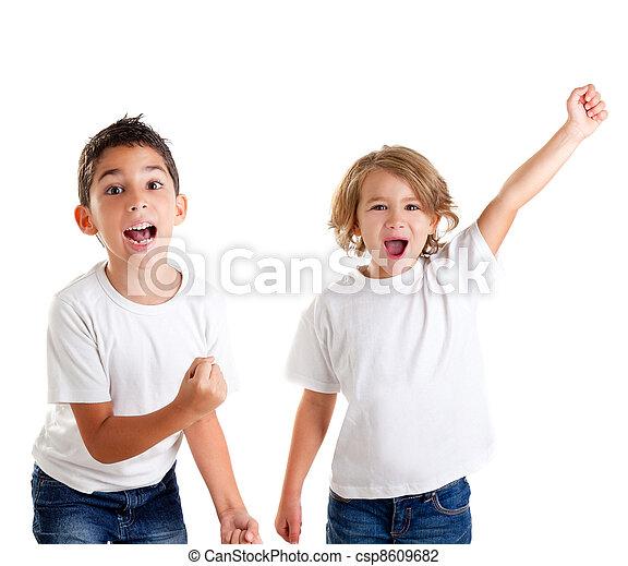 μικρόκοσμος , νικητήs , ερεθισμένος , σκούξιμο , παιδιά , χειρονομία , ευτυχισμένος  - csp8609682