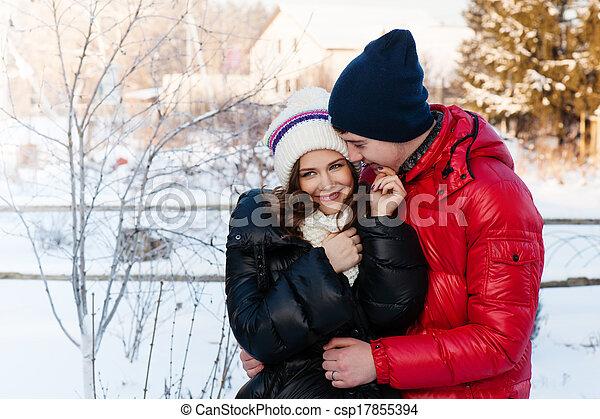 μόδα , αγάπη , χειμώναs , ζευγάρι , νέος , υπαίθριος , αισθησιακός , φιλί , πορτραίτο , κρύο , wather. - csp17855394