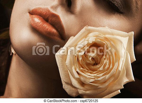 νέος , πορτραίτο , τριαντάφυλλο , ομορφιά  - csp6720125
