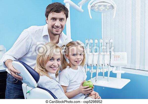 οδοντιατρικός  - csp5298952