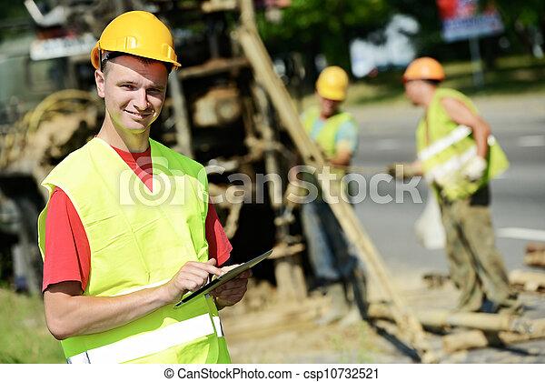 οικοδόμος , θέση , χαμογελαστά , εργοστάσιο , δρόμοs , μηχανικόs  - csp10732521