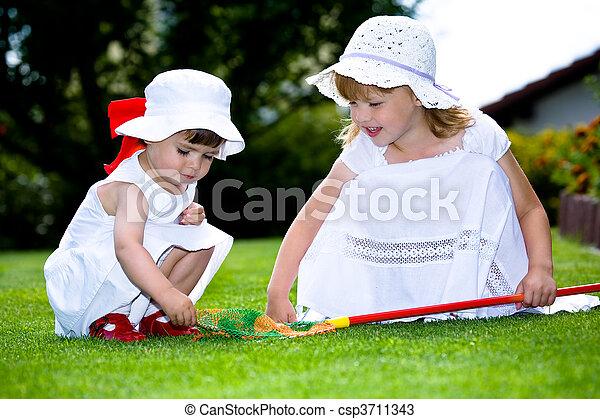 παίξιμο , κήπος  - csp3711343