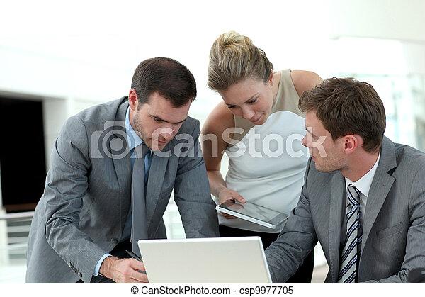 σύνολο , τριγύρω , αρμοδιότητα ακόλουθοι , τραπέζι , συνάντηση  - csp9977705