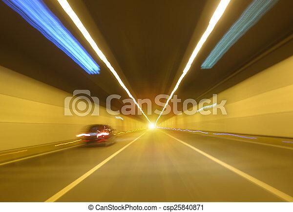 τούνελ , συγκινητικός , γρήγορα  - csp25840871
