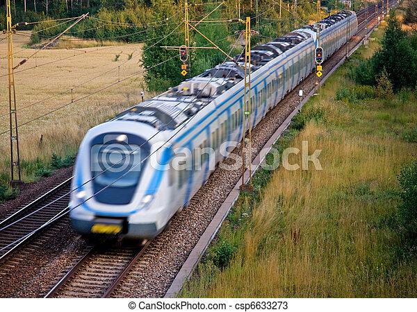 τρένο , ταξιδεύων με εισητήριον διάρκειας  - csp6633273