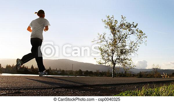 τρέξιμο , πρωί  - csp0040325
