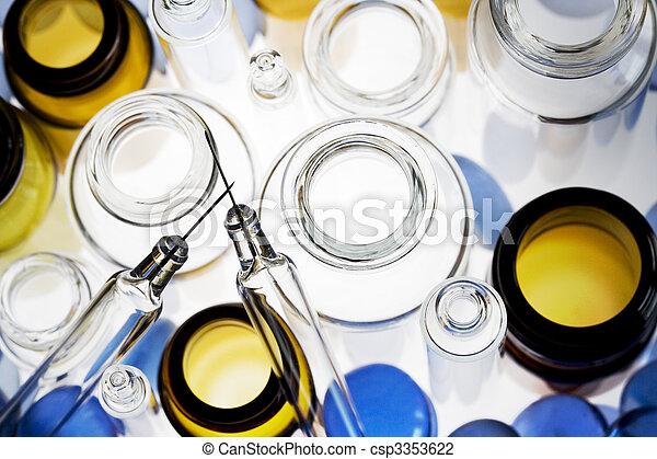 φαρμακευτικός , μπουκαλάκι  - csp3353622