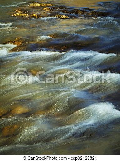 φθινόπωρο , βράδυ , ποτάμι , καταρράκτης  - csp32123821