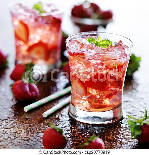 φράουλα , πίνω , μέντα , πάγοs , κοκτέηλ  - csp20770919