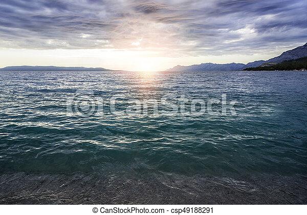 όμορφος , ηλιοβασίλεμα , sea. - csp49188291