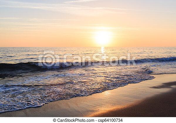 όμορφος , ηλιοβασίλεμα , sea. - csp64100734